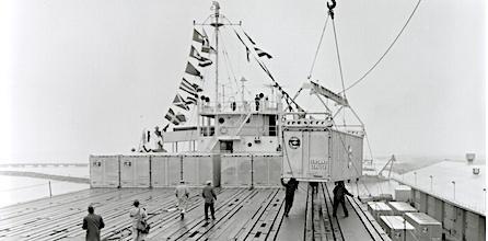 Первые морские контейнеры